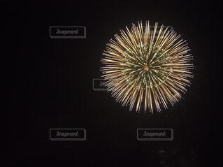 空に花火の写真・画像素材[1747730]