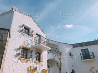 大きな白い建物の写真・画像素材[1753412]