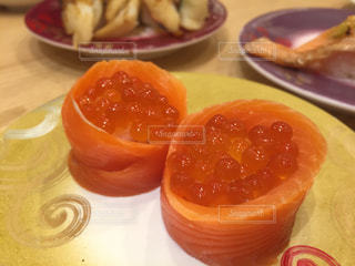 オレンジのスライスを皿の料理の写真・画像素材[1748360]