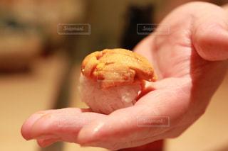雲丹の握りの写真・画像素材[2216299]