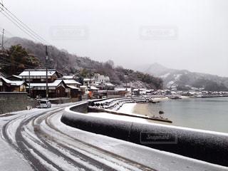 雪の轍の写真・画像素材[1755245]