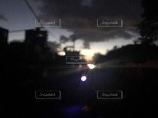 早朝、深夜、街の景色の写真・画像素材[1754243]