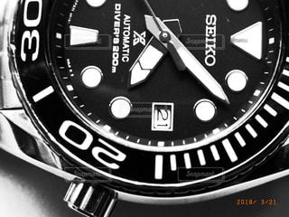 白と黒の時計の写真・画像素材[1756733]