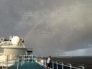 船上の虹の写真・画像素材[1758176]