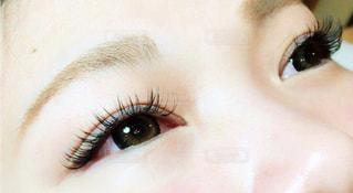 まつ毛エクステをした目の写真・画像素材[1762682]