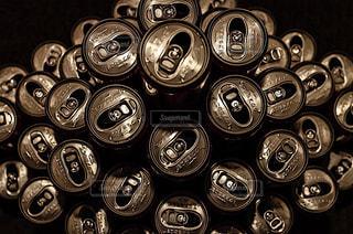たくさんのアルミ缶の写真・画像素材[2369063]
