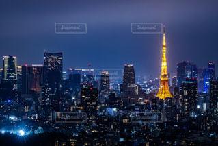夜の街の眺めの写真・画像素材[2698784]