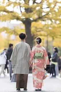 通りを歩く人々のグループの写真・画像素材[2794788]