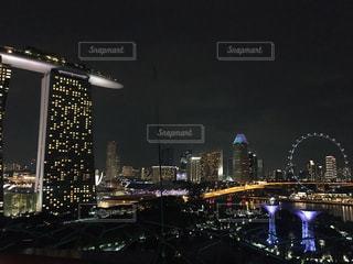 夜の街の景色の写真・画像素材[1762762]