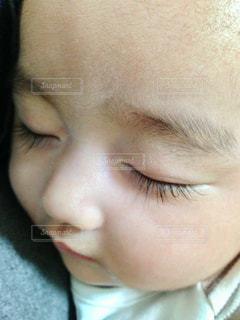 長いまつげの赤ちゃんの写真・画像素材[1763830]