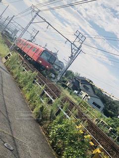 鋼鉄道に乗った大きな長い列車の写真・画像素材[2408692]