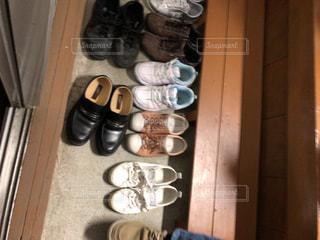 床に靴の写真・画像素材[1784246]