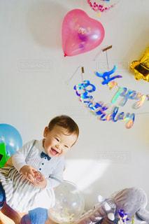 赤ん坊👶誕生日おめでとうの写真・画像素材[1806313]