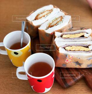 クローズ アップ食べ物の皿とコーヒー カップの写真・画像素材[1768613]