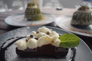 海が見えるカフェのおいしいケーキの写真・画像素材[1822687]