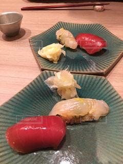 紅白のお寿司の写真・画像素材[1770605]