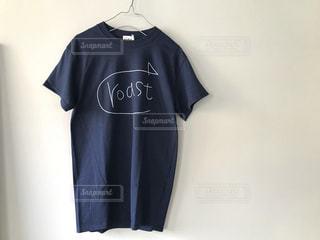 ネイビーTシャツの写真・画像素材[1133635]