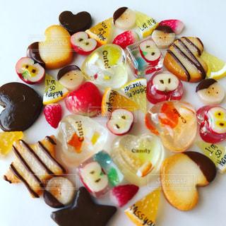 皿の上の食べ物の写真・画像素材[1773411]