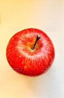 赤いりんごの写真・画像素材[1814278]