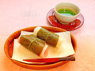 桜餅とお茶の写真・画像素材[1822693]