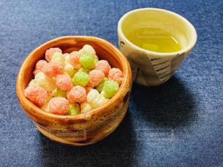 緑茶とあられの写真・画像素材[1991111]