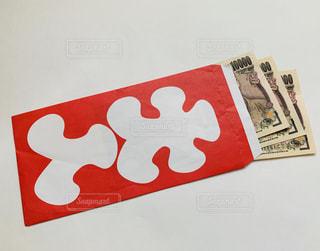 大入袋に入った紙幣の写真・画像素材[2148746]
