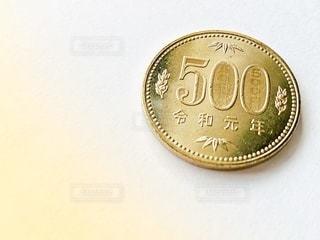 令和元年の500円玉の写真・画像素材[2781862]