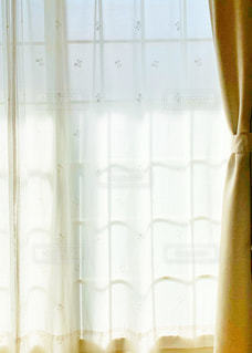 カーテンと窓の写真・画像素材[3239643]