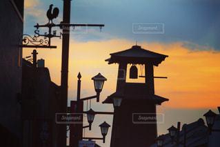 街に沈む夕日の写真・画像素材[1778895]
