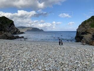 岩と石の海岸の写真・画像素材[1781343]