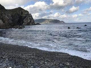岩と石の海岸の写真・画像素材[1781344]