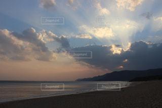 海と雲の夕暮れの写真・画像素材[1783366]
