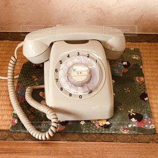 ダイヤル式の電話の写真・画像素材[1786185]