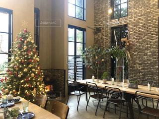 クリスマス色に彩られた部屋の写真・画像素材[2798632]