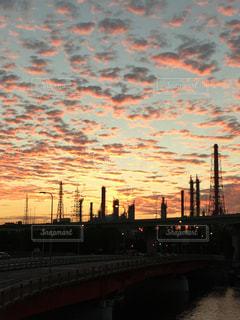 工場地帯の夕焼けの写真・画像素材[1789154]