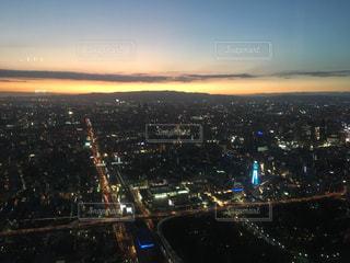 夜の街の景色の写真・画像素材[1860724]
