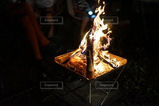 キャンプ時の焚き火の写真・画像素材[1779040]