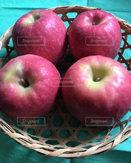 赤いリンゴの写真・画像素材[1779901]