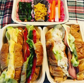 肉と野菜のサンドイッチの写真・画像素材[1780552]