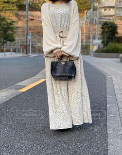 通りを歩いている人の写真・画像素材[3146674]