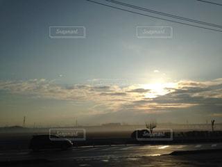朝の空の定点撮影の写真・画像素材[1826417]