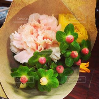 近くの花のアップの写真・画像素材[1782340]