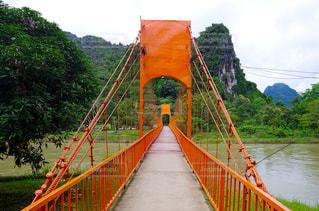 ラオスにある赤い橋の写真・画像素材[1782947]