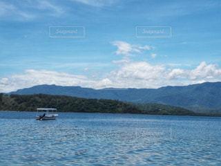 海とボートの写真・画像素材[2162755]