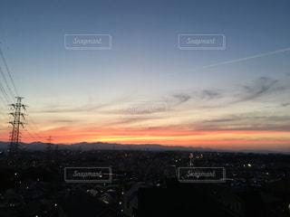 夕暮れ時の都市の景色の写真・画像素材[1797411]