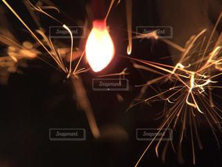線香花火の写真・画像素材[1816013]