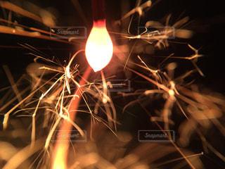 線香花火の写真・画像素材[1816016]