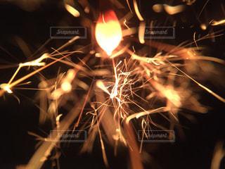 線香花火の写真・画像素材[1816018]