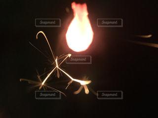 線香花火の写真・画像素材[1816242]