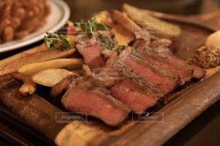 たまにはお肉のプレートをの写真・画像素材[1793940]